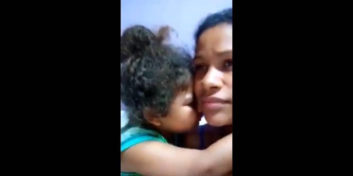 Garotinho usa cartão de crédito da mãe escondido e vídeo tentando evitar castigo viraliza; assista