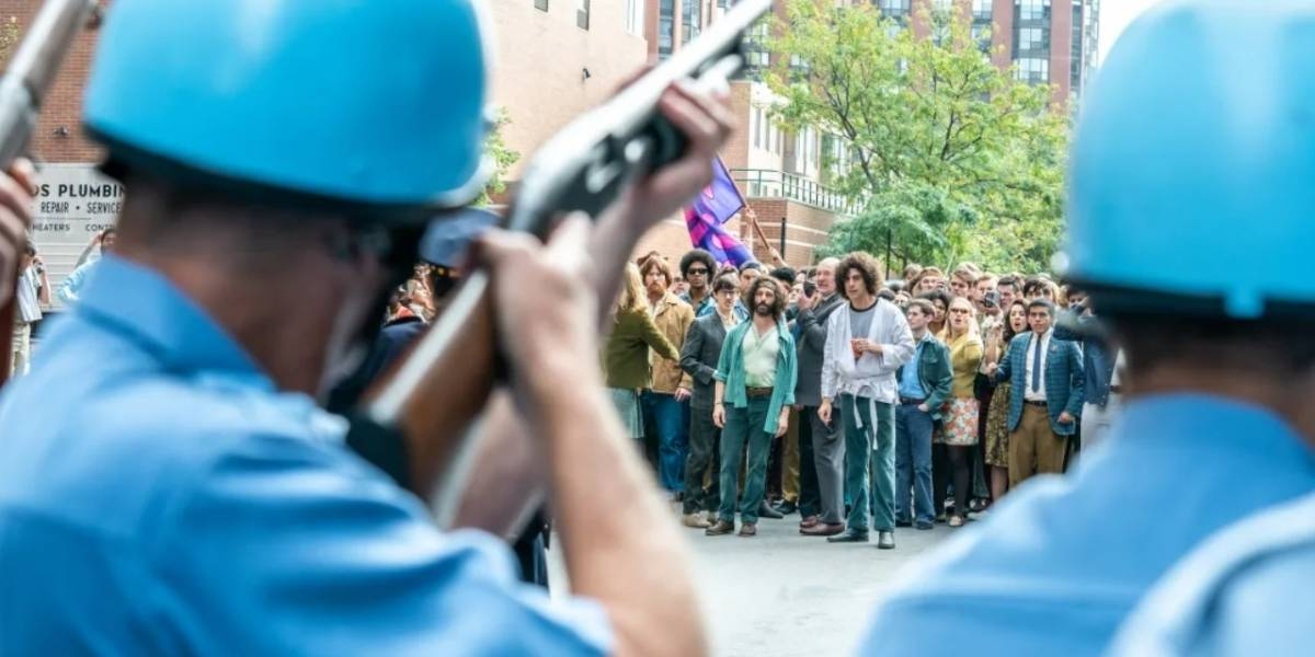 """Aaron Sorkin dirige 'El juicio de los 7 de Chicago': """"Aquellos enfrentamientos con la Policía son igual a los de ahora"""""""