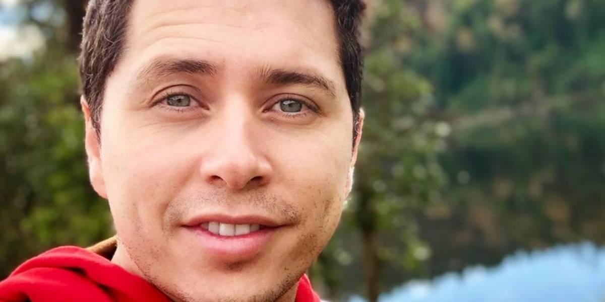 """""""¡Qué me voy a andar preocupando por we...!"""": Karol Lucero repasa sus logros y manda callar a haters por mural de biblioteca"""
