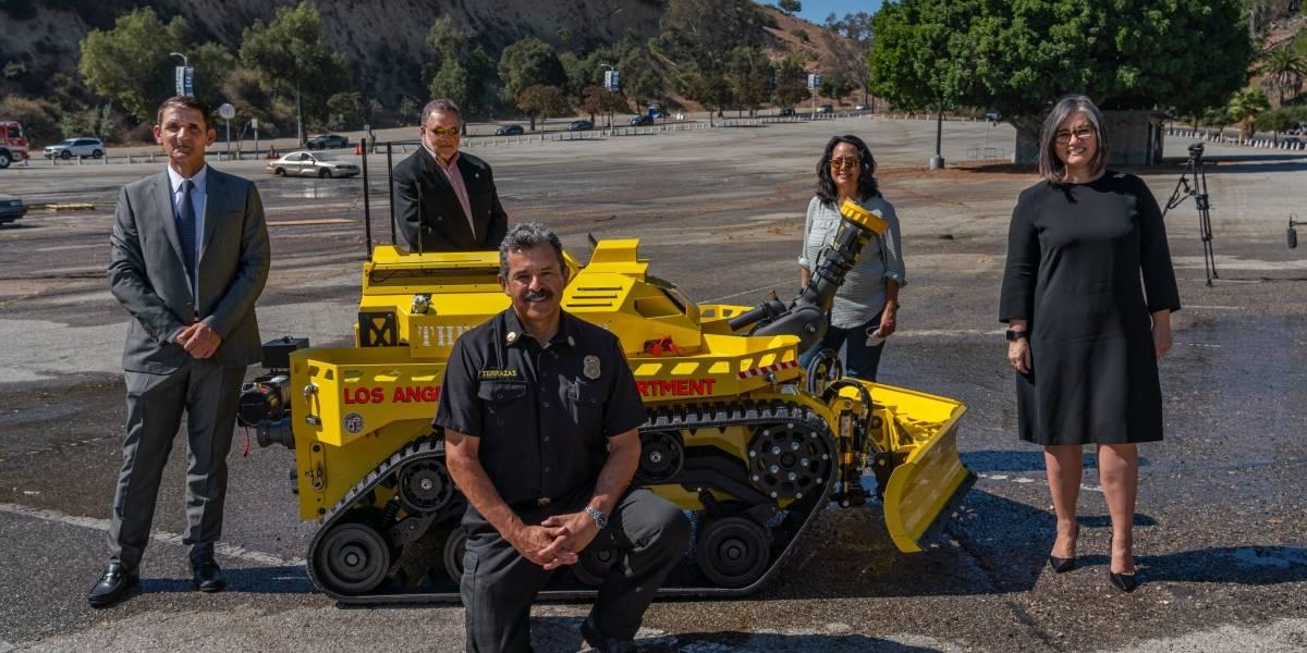 Robot contra incendios: la nueva incorporación de los Bomberos de Los Ángeles