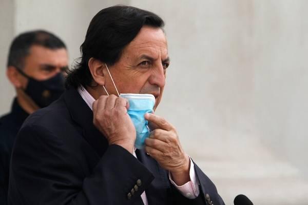 """Ministro Pérez y agentes encubiertos de Carabineros: """"Son fundamentales para proteger a las personas"""""""