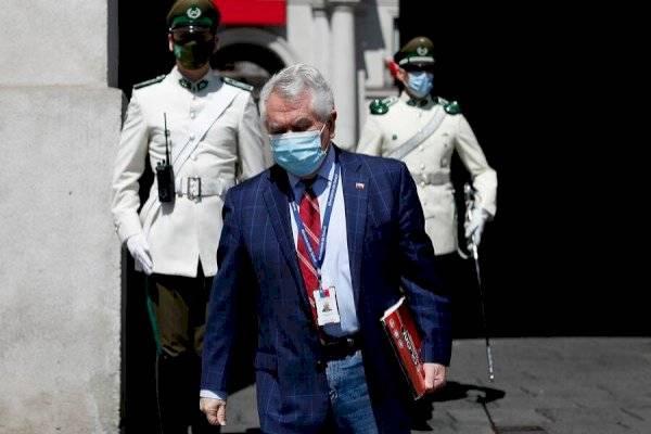 """Correos del Minsal: Paris asegura que harán revisión """"uno a uno"""" antes de entregarlos a fiscalía"""
