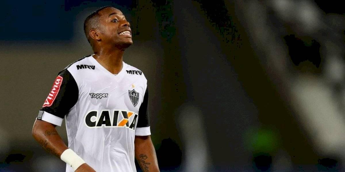 Santos suspende contrato recién firmado con Robinho