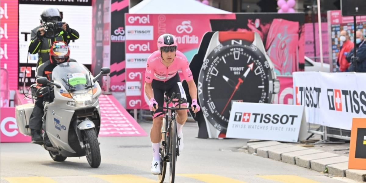 ¡Más líder que nunca! Joao Almeida sacó ventaja en la contrarreloj y saborea el Giro