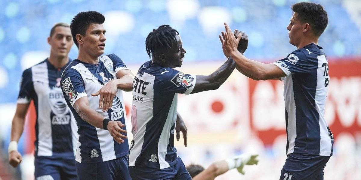 Rayados derrota contundentemente al Puebla