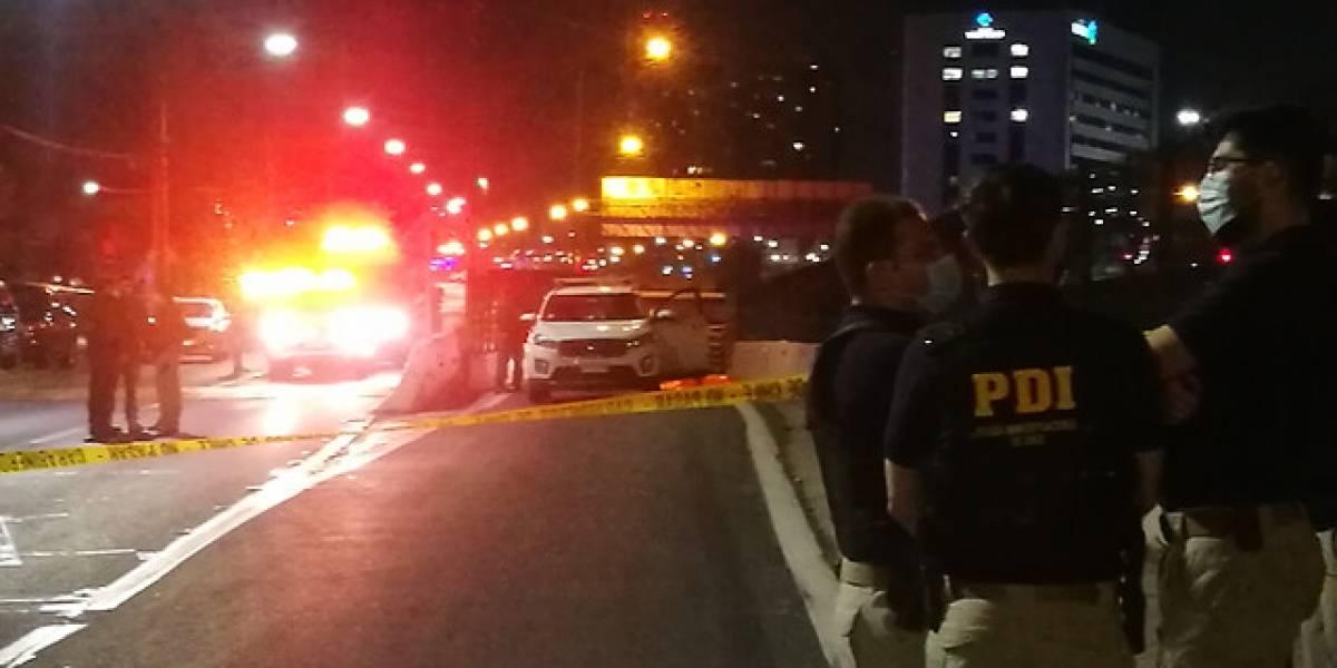 Policía se defendió a balazos del robo de su auto en Maipú: murió uno de los asaltantes