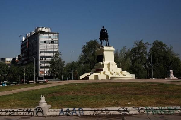 Traslado del monumento de Baquedano: evalúan su reubicación por los daños tras la queja del Ejército