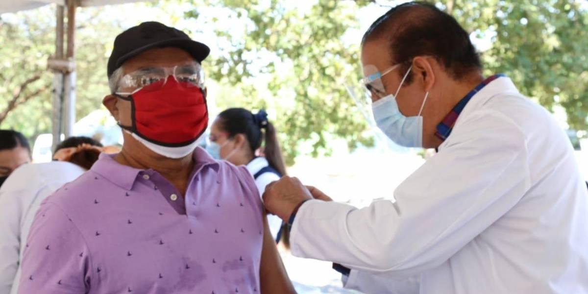Aplican 180 mil dosis de vacuna contra la influenza