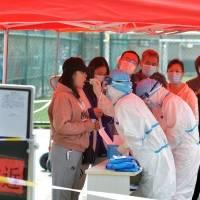 Asia controló la pandemia porque no se relajó cuando los contagios descendieron; según la OMS
