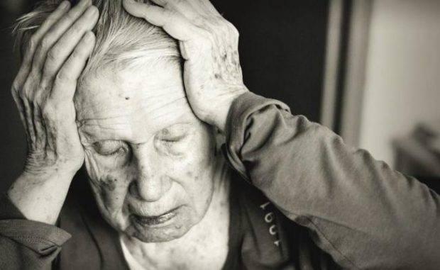 La apatía puede ser la fase previa de la demencia, según sugiere un estudio.
