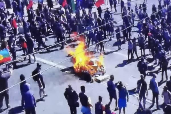 Manifestaciones en Valparaíso, Viña del Mar y San Antonio: Carabineros mantiene monitoreo por barricadas