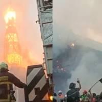 Queman y profanan iglesias en protestas contra el gobierno de Chile
