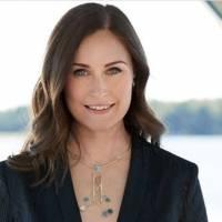 """Mulheres se juntam para defender primeira-ministra da Finlândia criticada por """"decote indecente"""""""