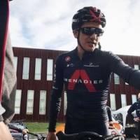 """El tuit de Richard Carapaz tras ser líder de la Vuelta a España: """"Mijines… es una ilusión muy grande vestirme de rojo"""""""