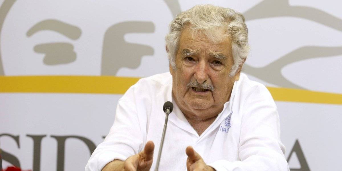 Mujica renuncia al Senado y se retira de la política activa