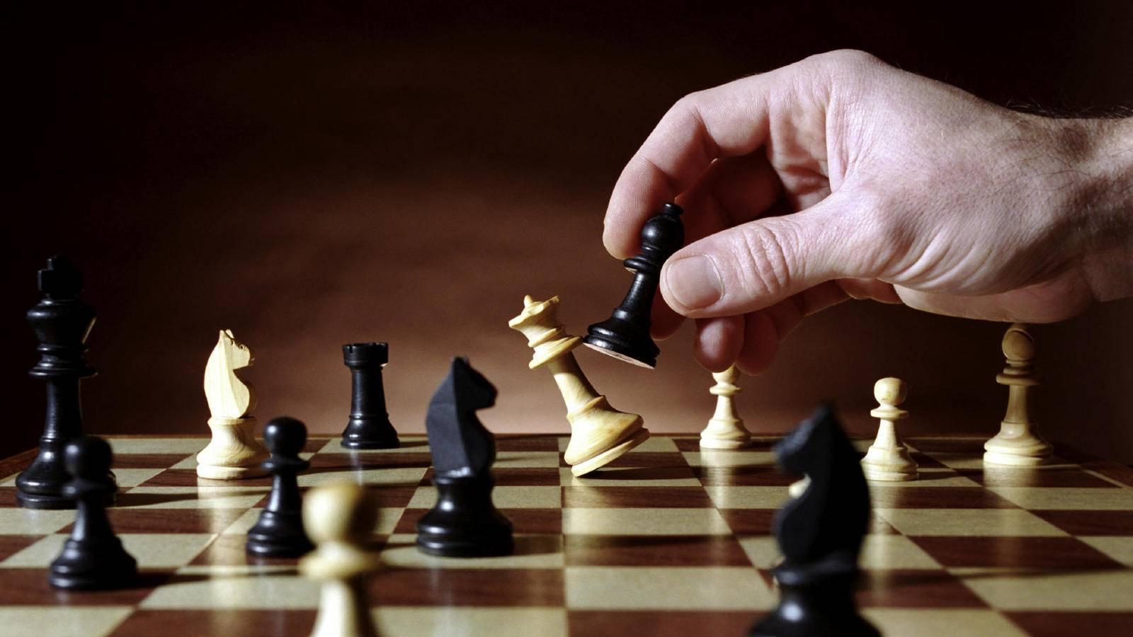 El pico del conocimiento del ser humano comienza a los 35 años, según estudios basados en el ajedrez.