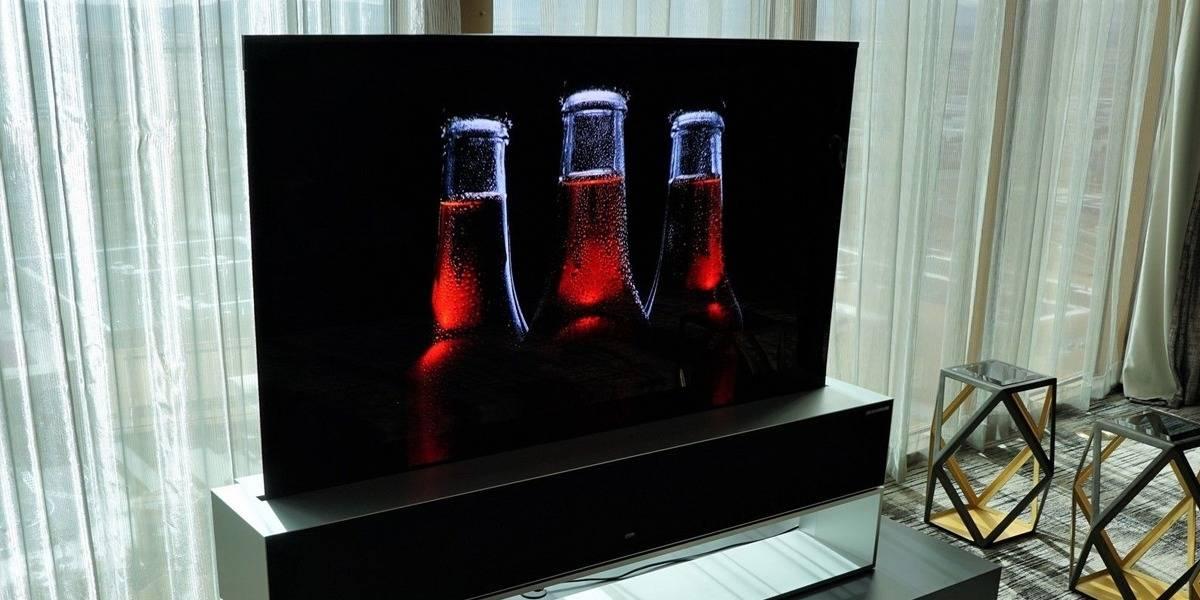 LG lanza una pantalla OLED que se puede enrollar y cuesta una fortuna