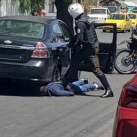 Latacunga: Persecución policial logra detener a tres presuntos sacapintas que robaron $7.000