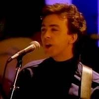 ¡Luto en el rock! Fallece Tony Lewis, vocalista de The Outfield