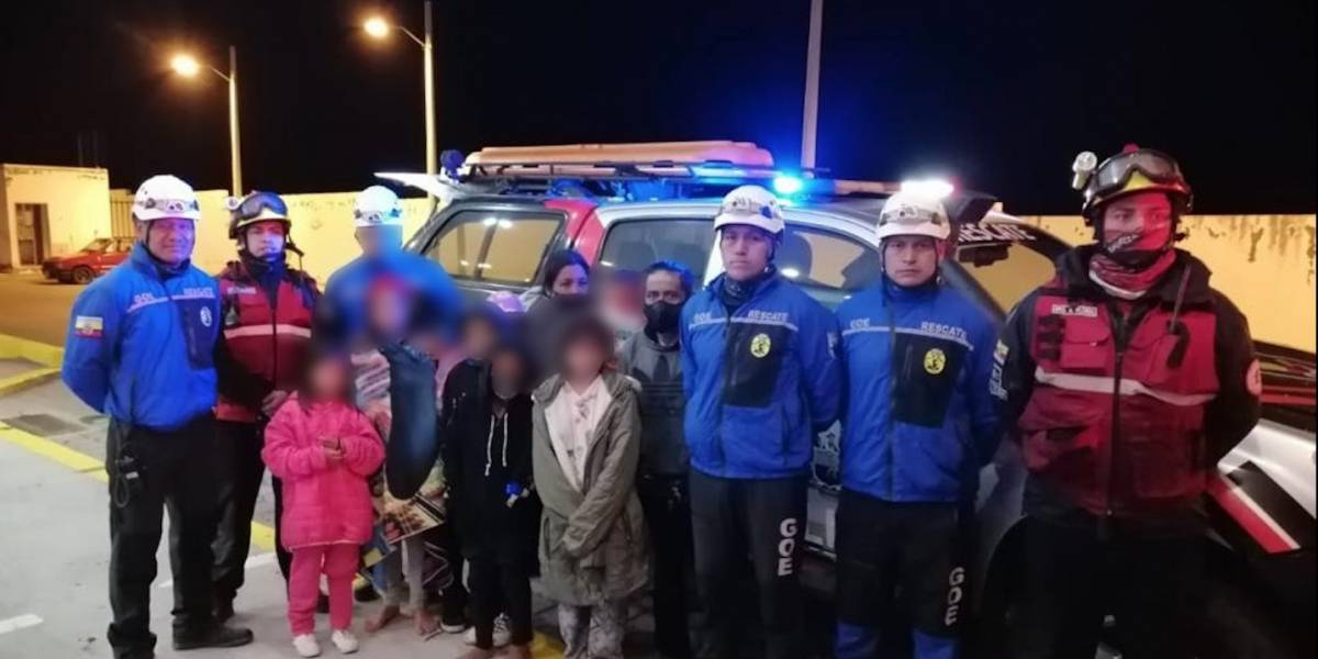 Dos adultos y siete niños fueron rescatados tras permanecer más de ocho horas extraviados en las Lagunas de Mojanda