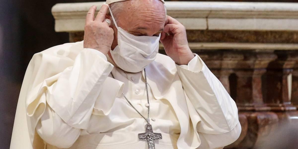 """""""Las personas homosexuales tienen derecho a estar en una familia. Son hijos de Dios"""": El papa Francisco aprobó uniones civiles entre personas del mismo sexo"""