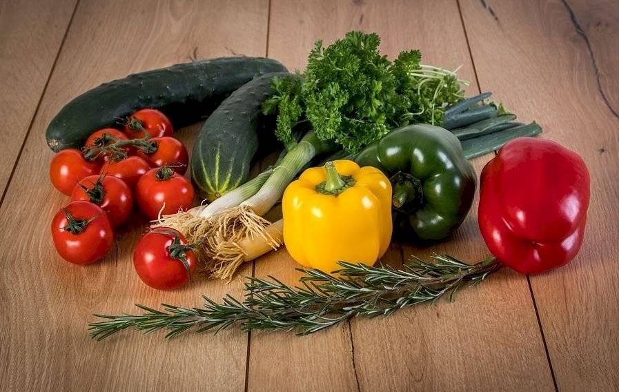 Las verduras son alimentos que carecen de grasas, lo que se traduce en menos colesterol