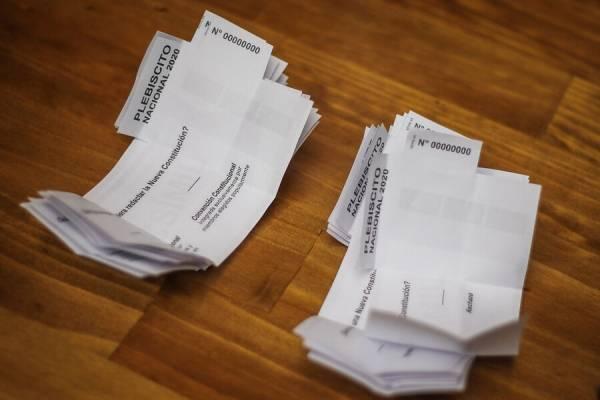 Plebiscito: este es el primer chileno que votó en todo el mundo