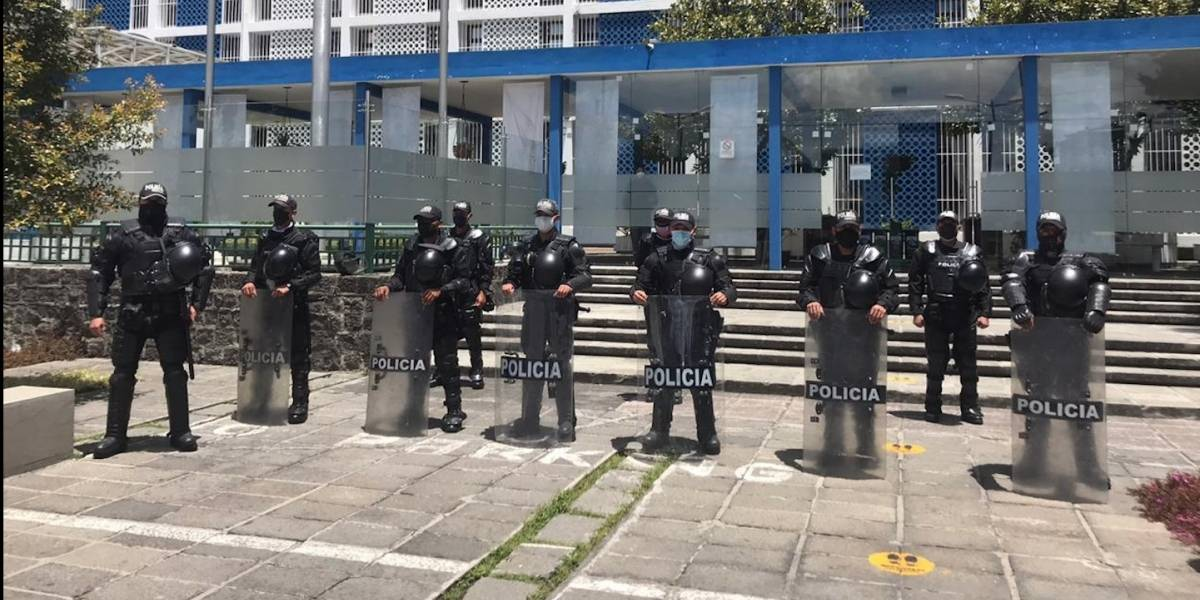 """Los errores de octubre de 2019 """"sirvieron de base para que este año estemos mejor preparados"""", dice general de la Policía"""