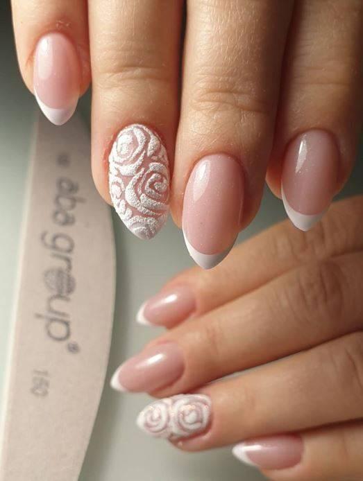 Diseño de uñas francesas