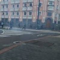 Manifestaciones: piedras de la Plaza de Santo Domingo son usadas para enfrentamientos con uniformados