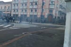 https://www.metroecuador.com.ec/ec/noticias/2020/10/22/manifestantes-destruyen-la-plaza-santo-domingo.html