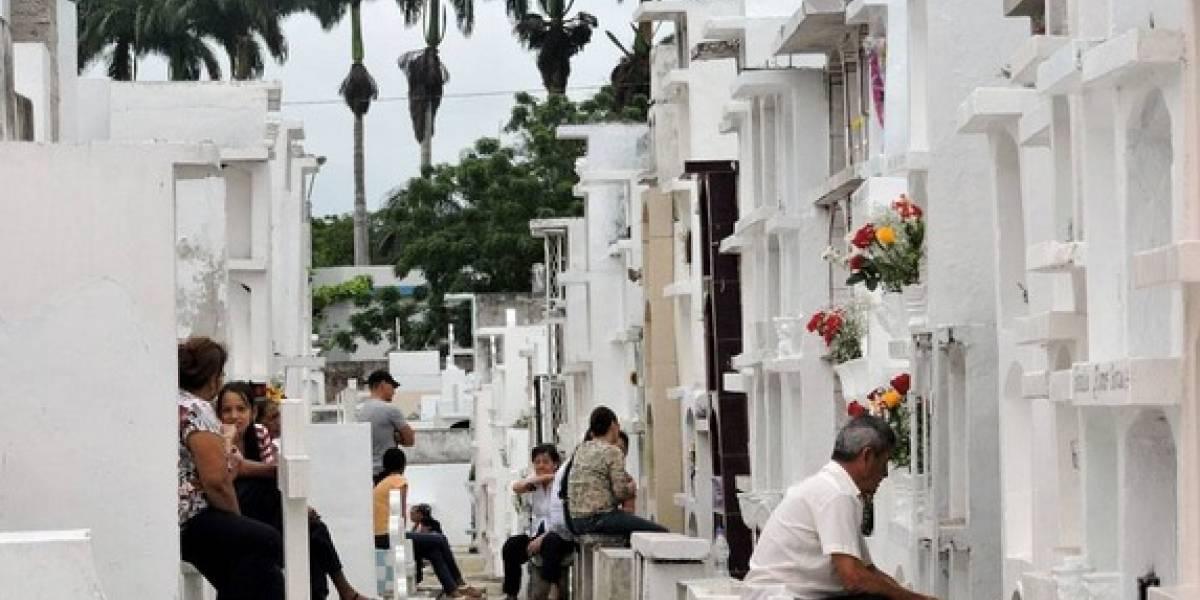COE de Guayaquil suspende visitas a cementerios del 31 de octubre al 3 de noviembre, para frenar contagios Covid-19