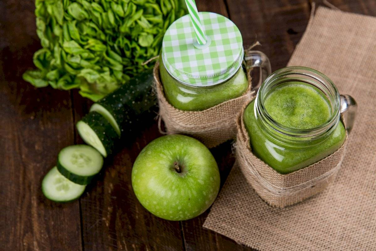 La combinación de manzana con pepino es perfecta para desintoxicar después de abusos