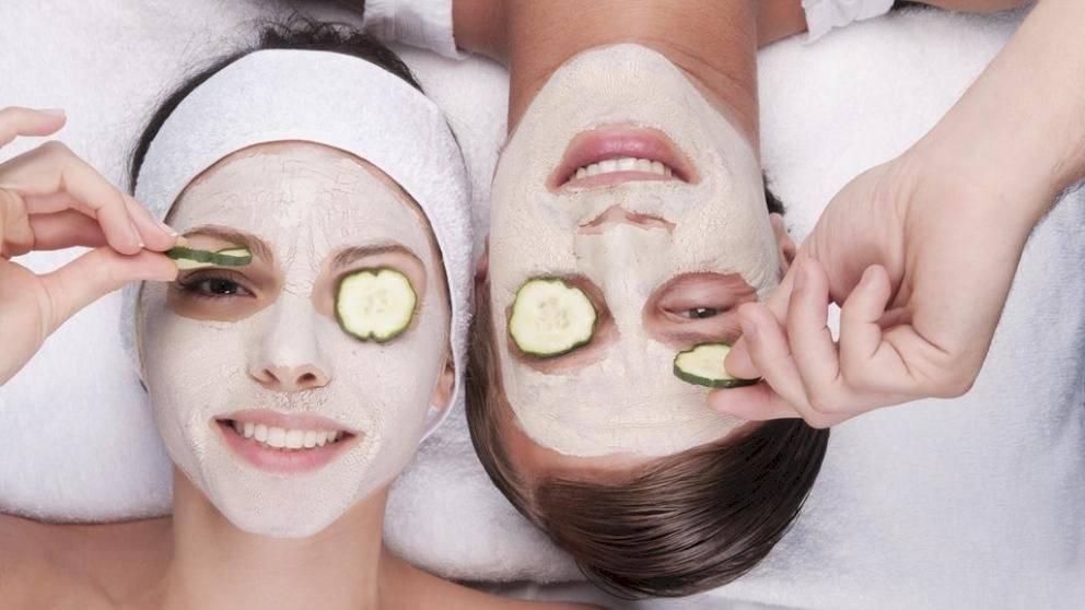 La mascarilla de pepino aporta grandes dosis de vitamina E y C.