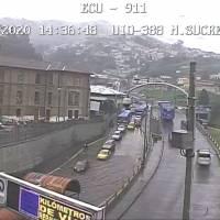 Acumulación de agua en el sector San Roque por lluvias en Quito
