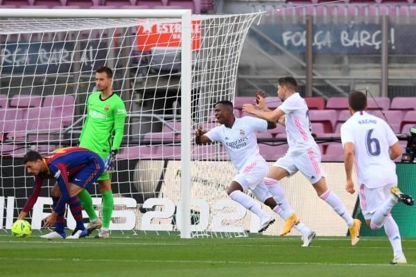 ¿Extrañaron a Arturo Vidal? Barcelona cayó ante un contundente Real Madrid en el clásico español