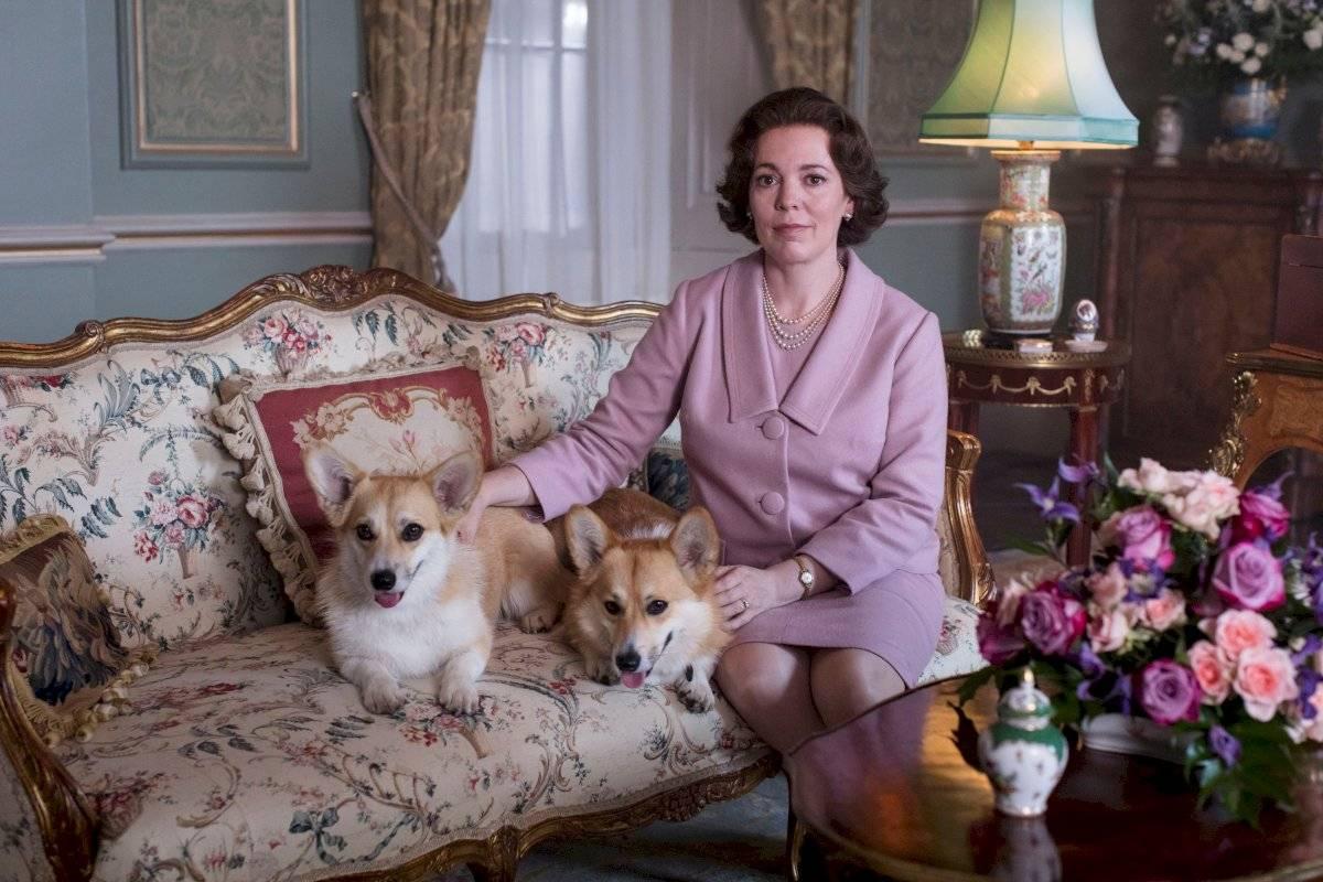 os ojos de la reina Isabel II no son del mismo color durante toda la serie