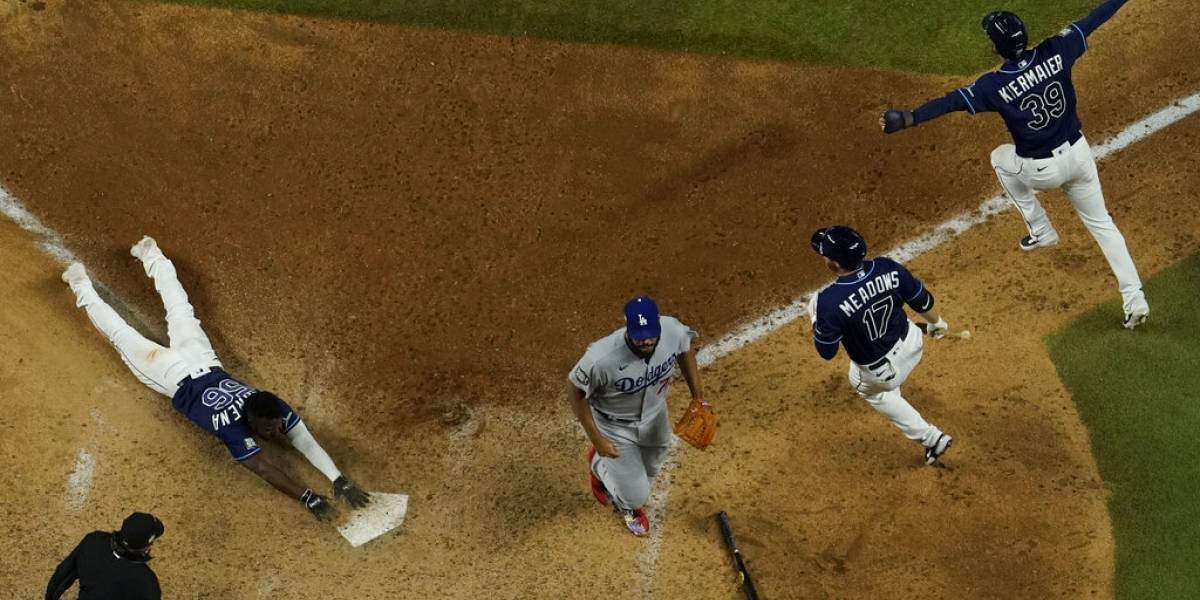 Rays de Tampa Bay dejan en el terreno a Dodgers