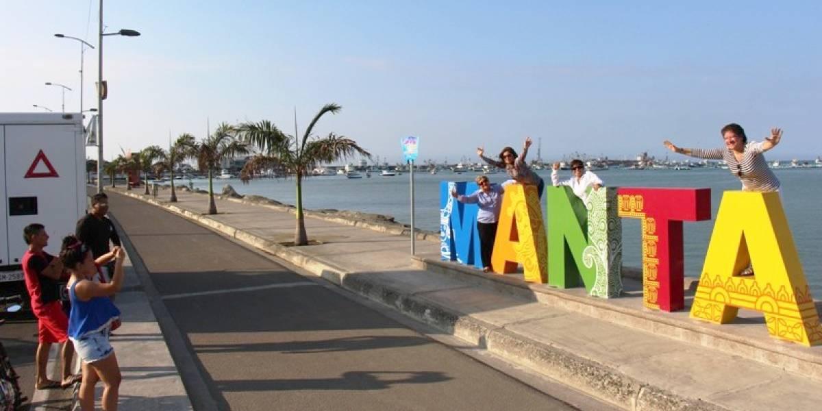Por aumento de casos Covid-19 reajustan horario de visita a playas de Manta
