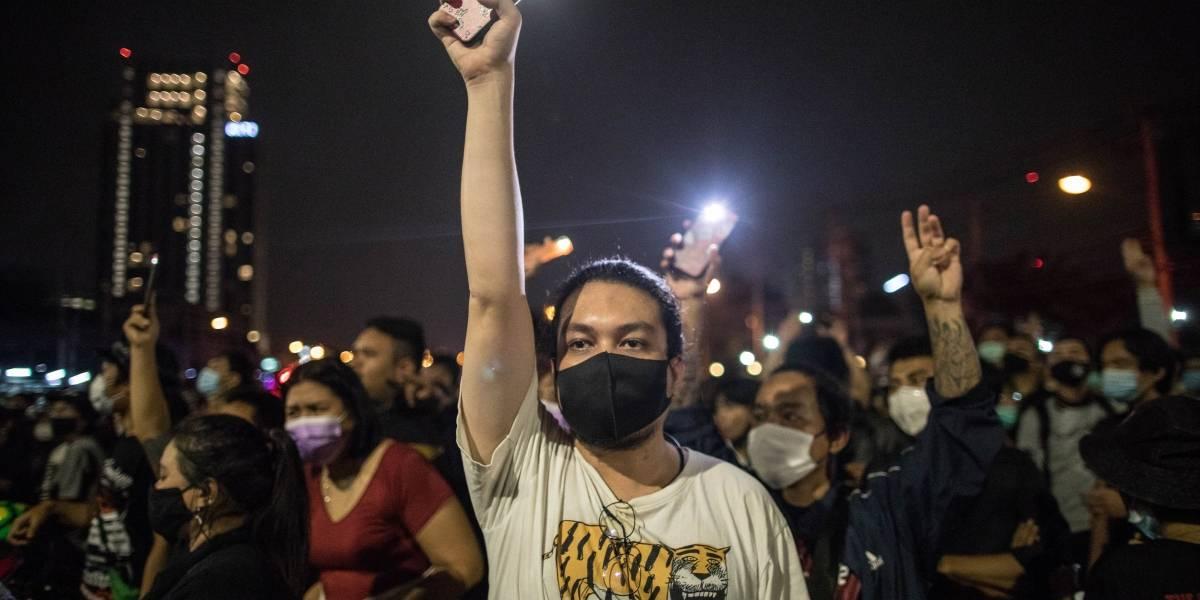 Tailandia.- Manifestantes tailandeses protestan frente a la Embajada de Alemania y piden a Berlín investigar al rey