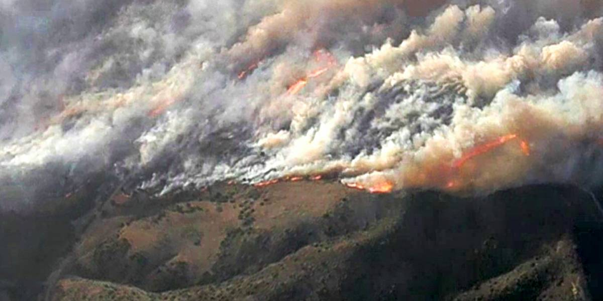 Incendios provocan evacuaciones en el sur de California