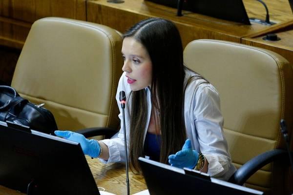 "Camila Flores: ""Votaré a favor el segundo retiro del 10%"""