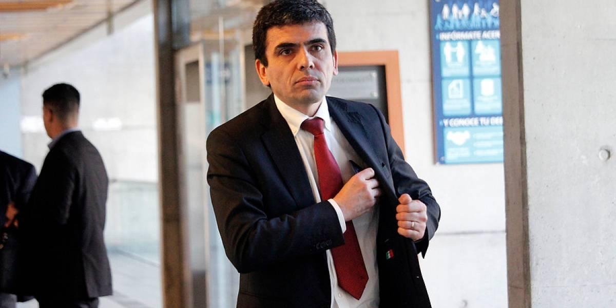 El ex fiscal Carlos Gajardo arrasa entre las preferencias para constituyente