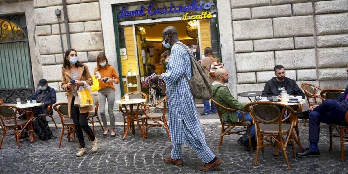 Italia abre cines y teatros en zonas de bajo riesgo de COVID
