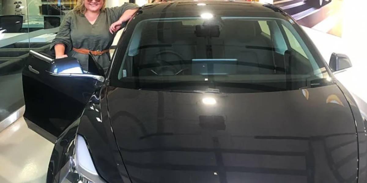Ladrones robaron un Tesla Model 3 y terminaron burlados por la dueña del auto