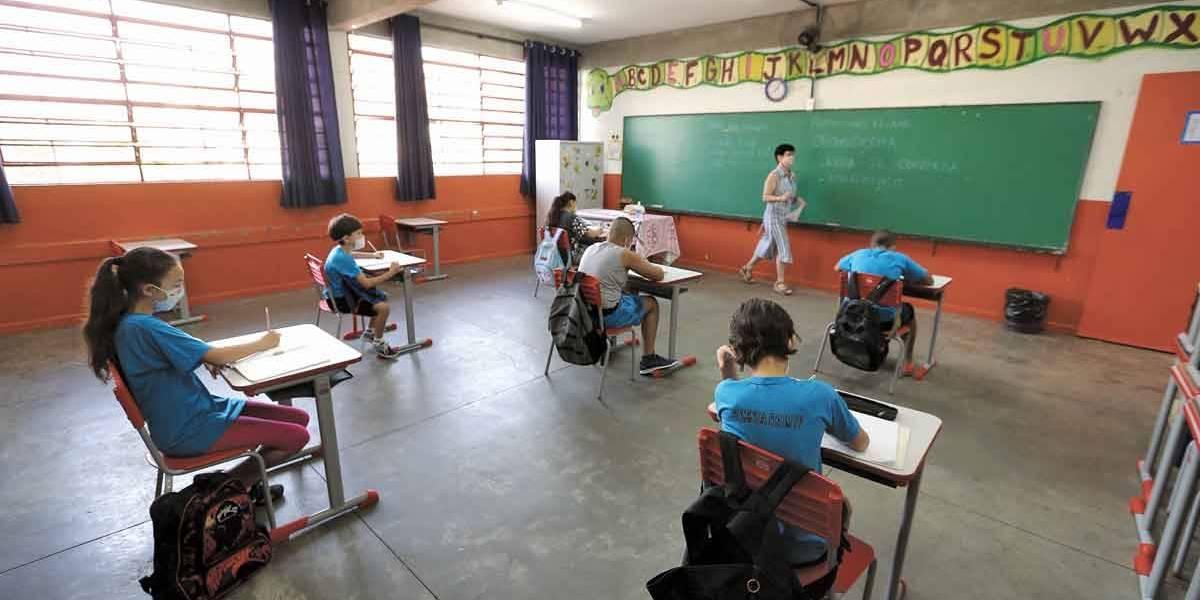 São Paulo terá comitê de gerenciamento para volta às aulas presenciais