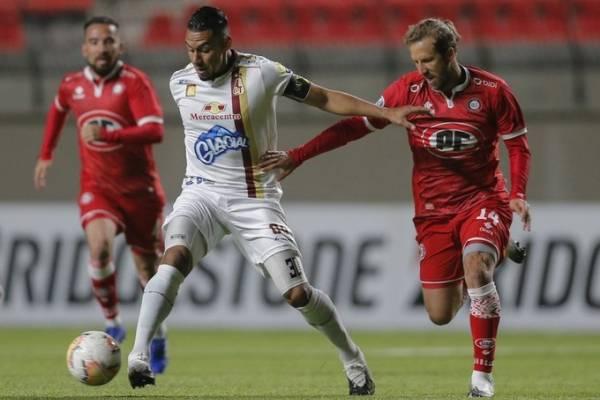 El duelo de punteros dejó mucho que desear: Unión La Calera y Deportes Tolima no se hicieron daño en Copa Sudamericana