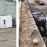 Captan el momento exacto de la volcadura de un camión de bomberos y cae de puente de Tijuana