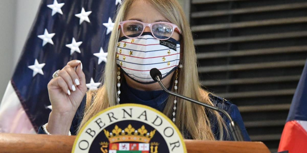 Gobernadora firma ley para crear Fideicomiso Independiente de Becas de la UPR