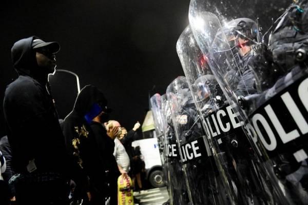 Filadelfia en llamas: decretan toque de queda por protestas, vandalismo y saqueos a pocos días de las elecciones